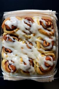 Easy-Cinnamon-Rolls-simple-vegan-minimalistbaker